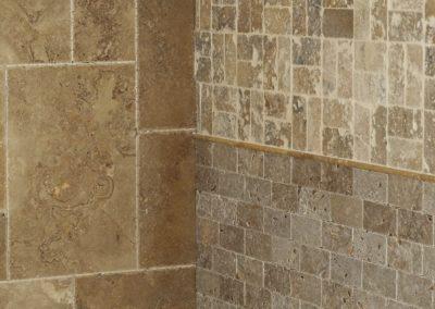 Verlegung von Wandfliesen Römischer Verband